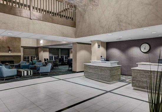 Residence Inn Cleveland Beachwood: Lobby