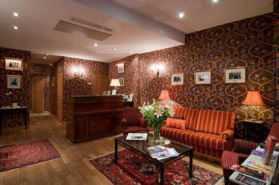 Relais Hotel du Vieux Paris: Lobby view