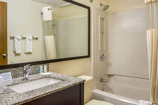 Clackamas, OR: Guest room with one bed