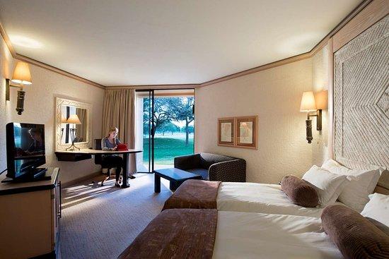 Windhoek Country Club Resort: Windhoek Standard Twin Room