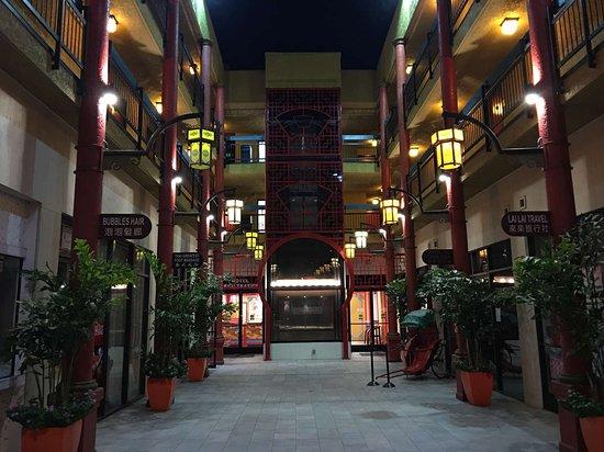 BEST WESTERN PLUS DRAGON GATE INN Hotel (Los Angeles, CA