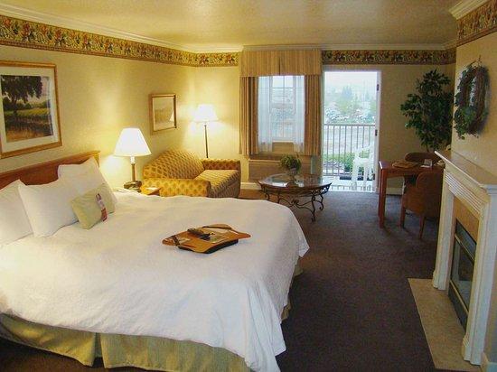 Hampton Inn Ukiah: Guest room