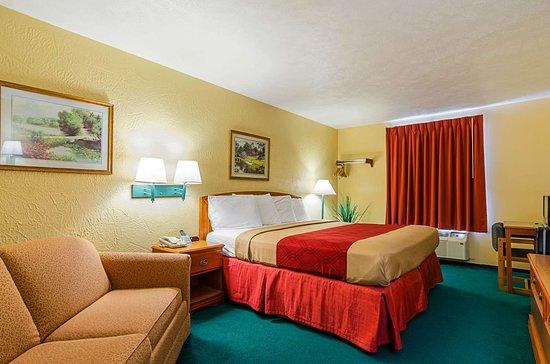 Econo Lodge Lansing Leavenworth 60 7 8 Updated 2018 Prices Motel Reviews Ks Tripadvisor