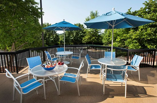 Hampton Inn Potomac Mills/Woodbridge: Exterior