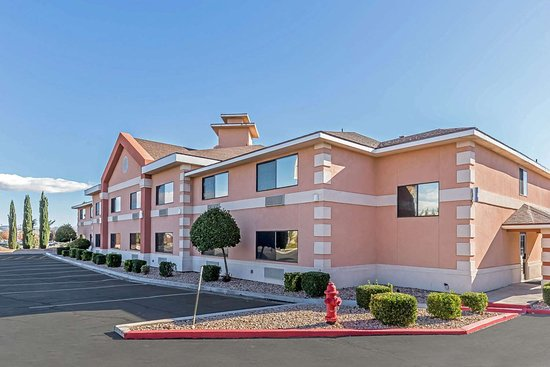 Quality Inn I-15 Red Cliffs: Hotel exterior