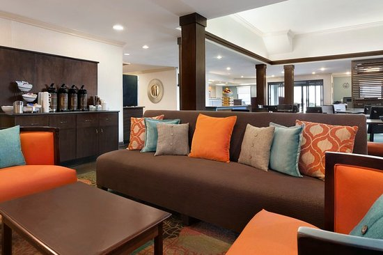 Country Inn & Suites by Radisson, Fayetteville-Fort Bragg, NC: Lobby