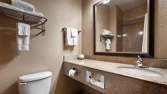 Hondo, TX: Guest Bathroom