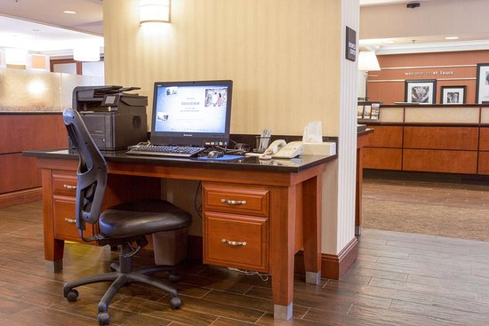 Valley Park, MO: Business Center