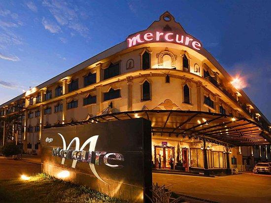 Mercure Vientiane: Exterior view