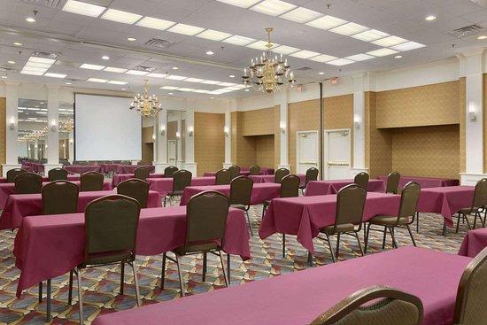 Rochelle Park, NJ : Meeting Room
