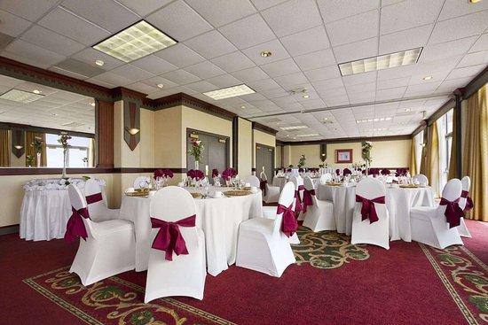 Ramada By Wyndham Virginia Beach Oceanfront Meeting Room Wedding