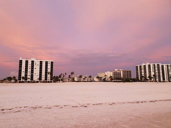 Gulfview Manor Resort: 20180622_203022_large.jpg