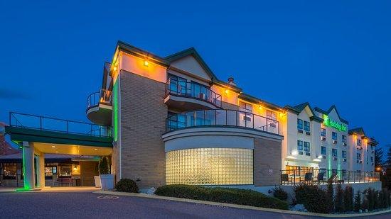 Holiday Inn West Kelowna: Exterior