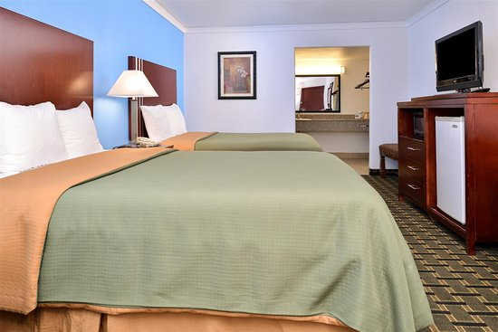 Americas Best Value Inn - Edmond / Oklahoma City North: Two Queen Beds