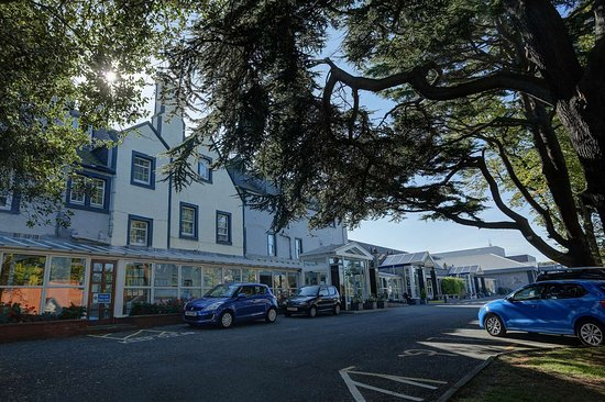Best Western Kings Manor Hotel : kings manor hotel grounds and hotel