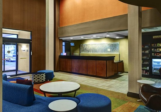Fairfield Inn & Suites Anniston Oxford: Lobby