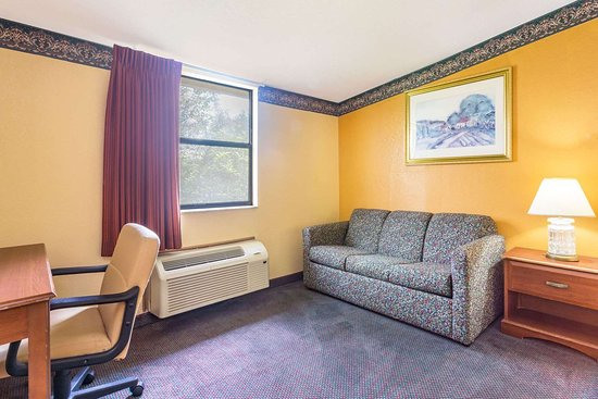 Ramada Limited Lake City: 1 King Bed Room