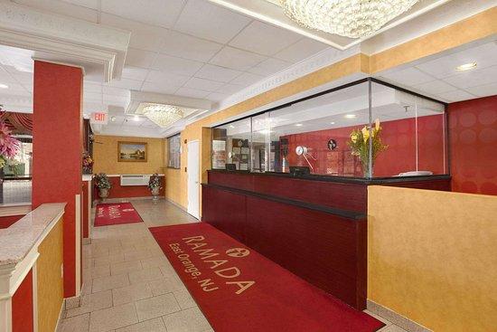 East Orange, Нью-Джерси: Lobby