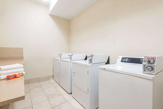 Wainwright, Kanada: Guest Laundry