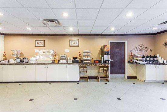 Ramada by Wyndham la Vergne/Nashville: Breakfast Area