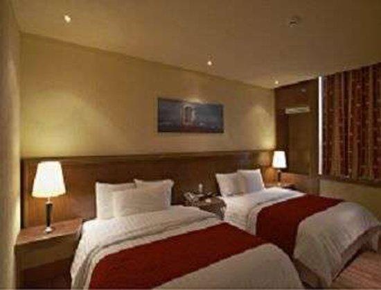 Ramada VA Veneto Mexico City South : Two Queen Beds
