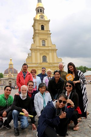 St. Petersburg Shore Excursion: Small-Group 2-Day Visa-Free Tour Including Boat Ride: Our group with Kate in front of Peter and Paul Fortress