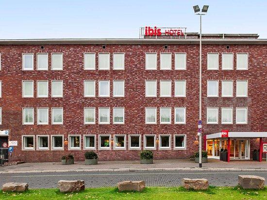 Ibis Duisburg Hauptbahnhof: Exterior view