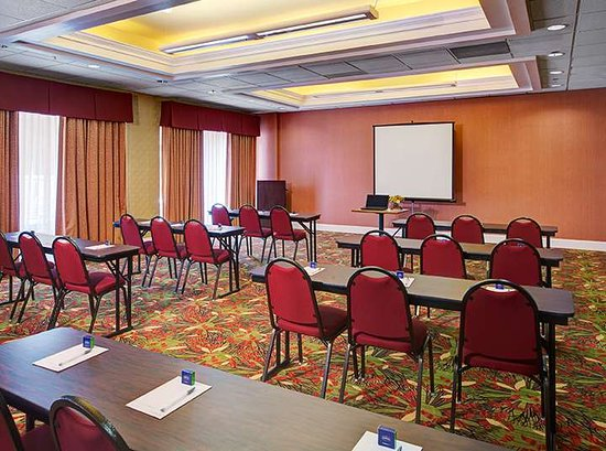 Hampton Inn and Suites Charlotte - Arrowood Rd.: Meeting Room