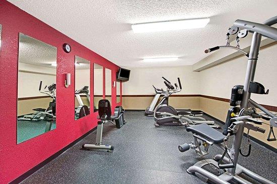 Columbus, NE: Workout Room