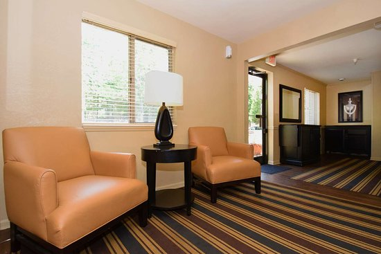 Extended Stay America - Knoxville - West Hills: Lobby and Guest Check-in