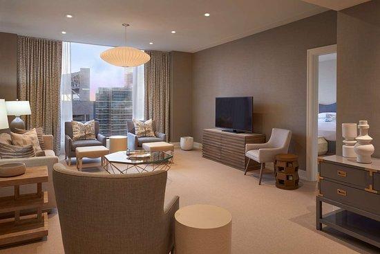 hilton toronto canada hotel reviews photos price. Black Bedroom Furniture Sets. Home Design Ideas