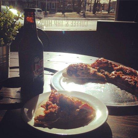 Lyons, KS: My favorite...KC Pizza