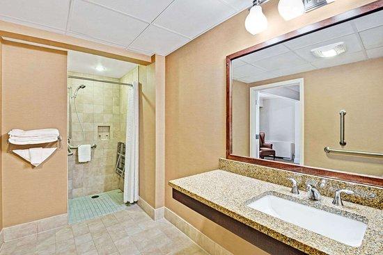 Seekonk, MA: ADA Bathroom