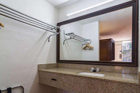 Townsend, GA: bathroom