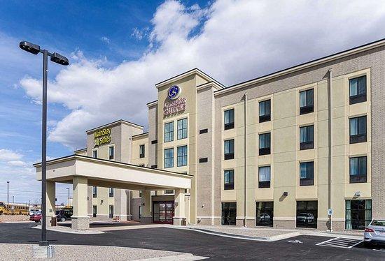 comfort suites denver near downtown 94 1 0 4. Black Bedroom Furniture Sets. Home Design Ideas