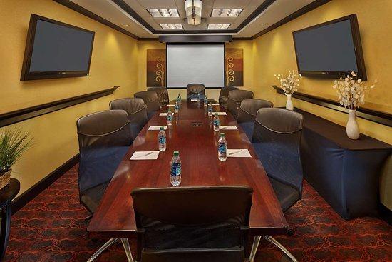 hampton inn suites waco south 123 1 3 9 updated. Black Bedroom Furniture Sets. Home Design Ideas
