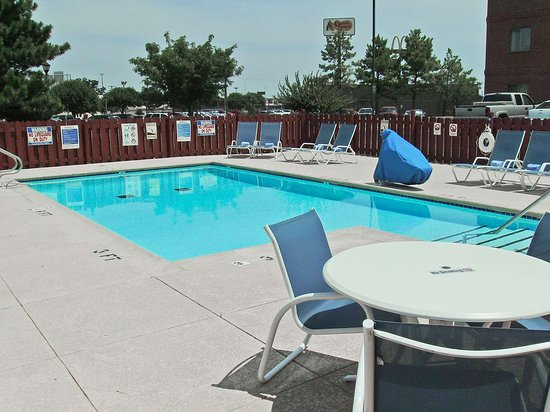 Extended Stay America - Tulsa - Midtown: Swimming Pool