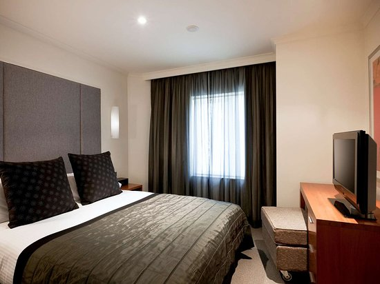 The Sebel Quay West Suites Sydney Hotel