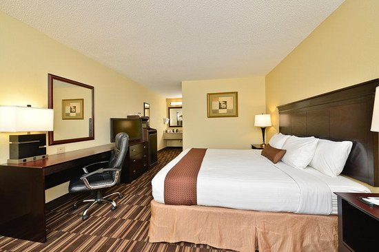 Greenville, AL: King Guest Room