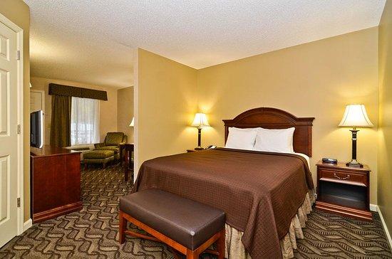 Jackson, AL: Mini Suite