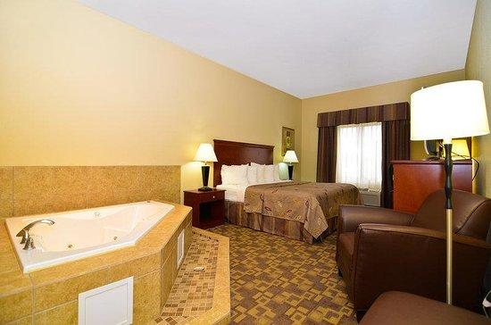 Opp, AL: Guest Room