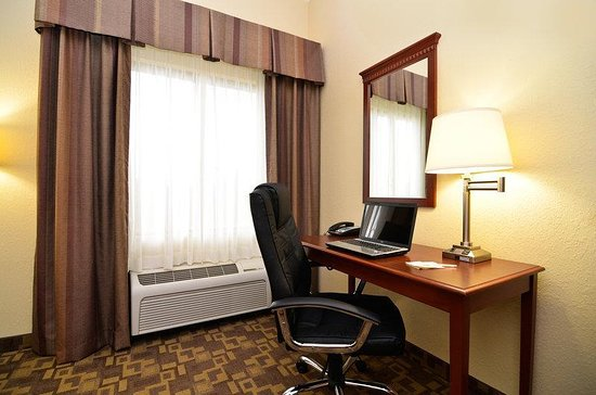 Opp, AL: In-Room Desk Area