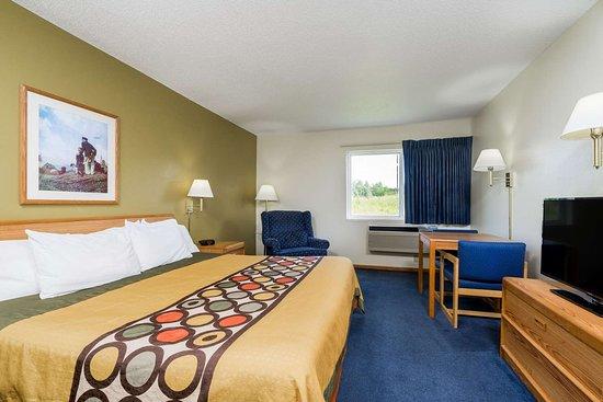 Baldwin, WI: Guest room