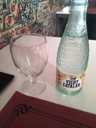 Argentona, İspanya: Agua con gas
