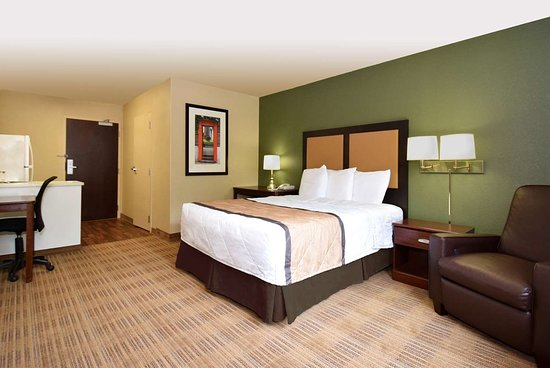 Extended Stay America - Rockford - I-90: Studio Suite - 1 Queen Bed