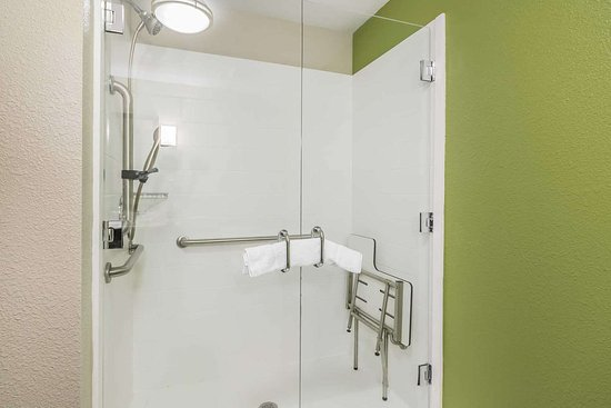 Columbia, KY: Bathroom in guest room