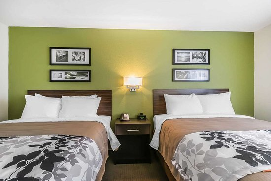 Columbia, KY: Guest room with two beds