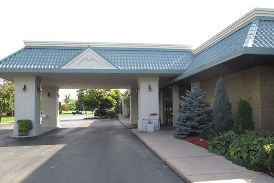 Ramada by Wyndham Alpena Hotel & Conference Center
