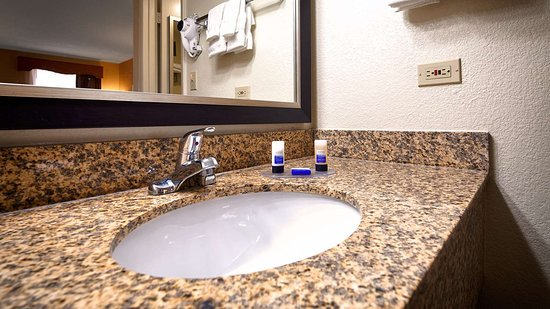 Best Western Of Murphy : Guest room bath