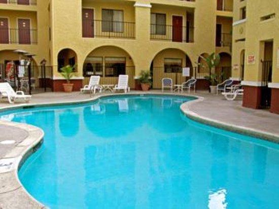 Moreno Valley, CA: Swimming Pool